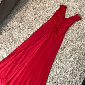 Vera Wang red gown with train